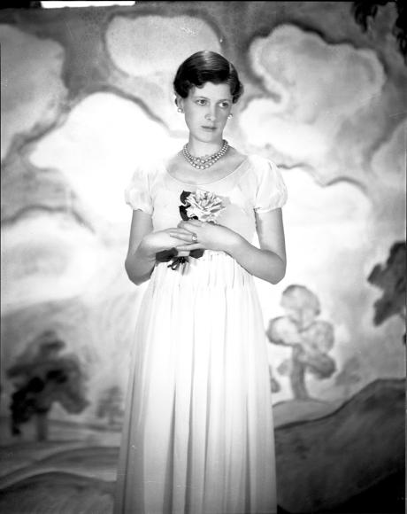 Клер Бек, 1932