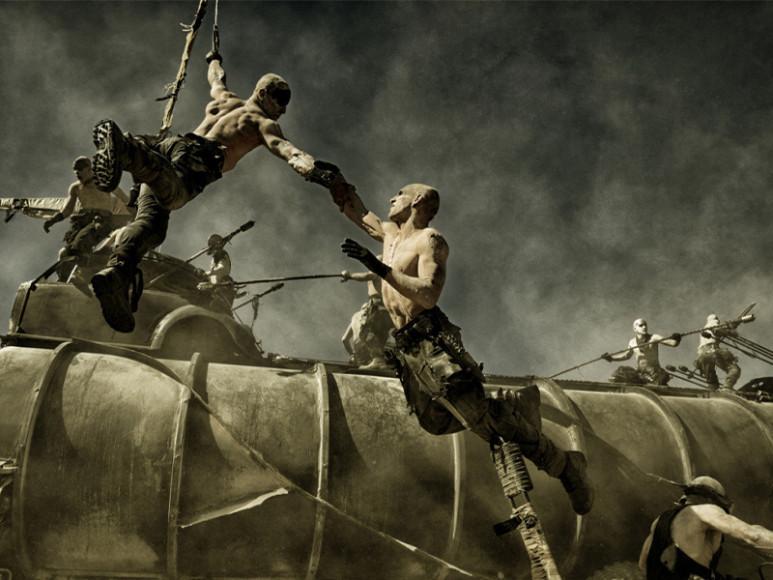Кадр из фильма«Безумный Макс: Дорога ярости»