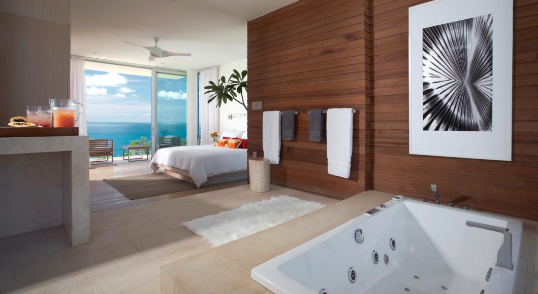 Спальня и ванная комната на вилле (ANI Private Resort Anguilla)
