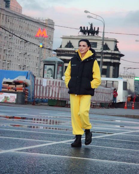 Наиля Аскер-заде в костюме Pangaia