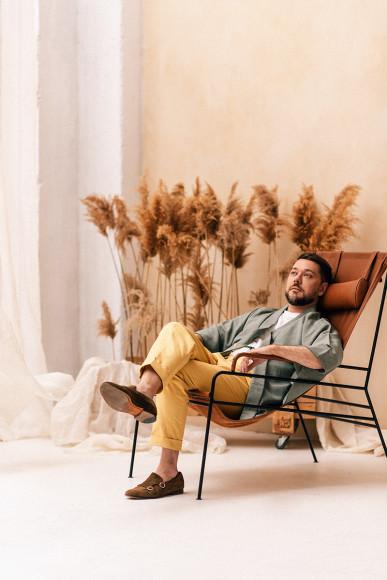 Александр Рымкевич в брюках из хлопка So Cotton