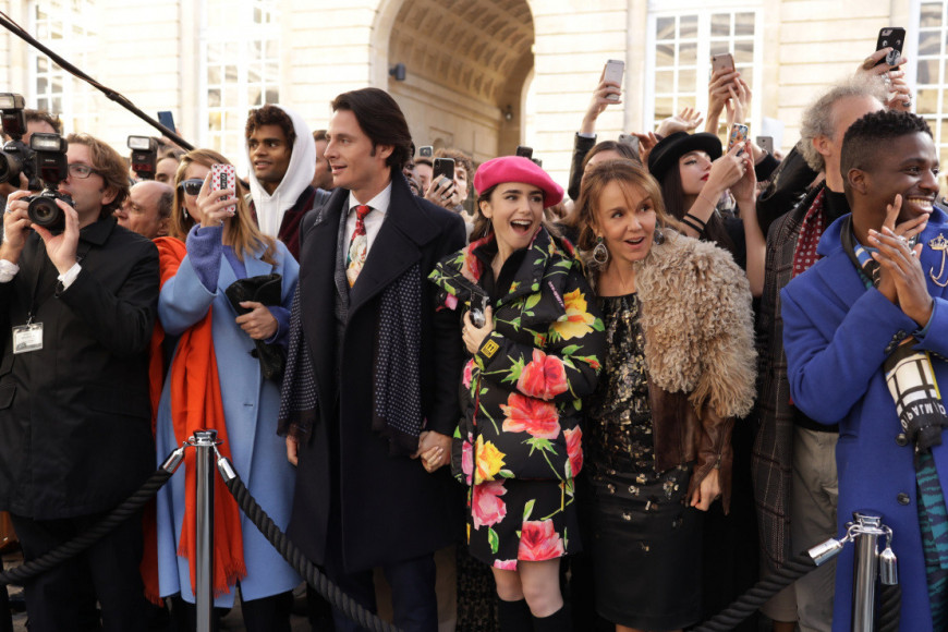 Кадр из сериала «Эмили в Париже»