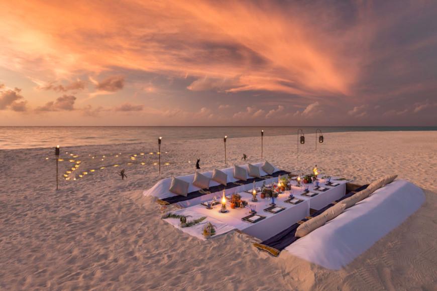 Ужин на песчаной отмели «Остров мечты»