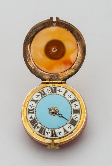 Часы в агатовом корпусе, в футляре Голландия, конец XVII в.