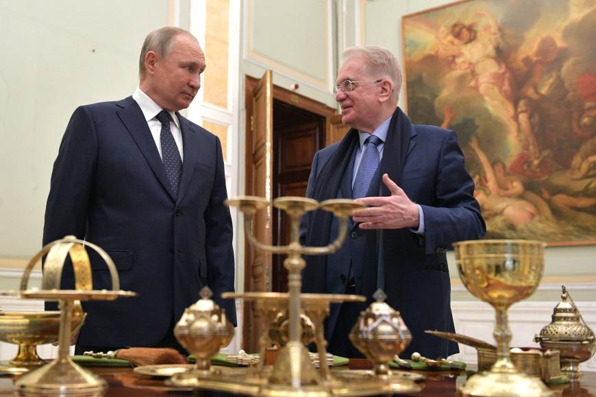 Владимир Путин и Михаил Пиотровскийв Государственном Эрмитаже, 2021