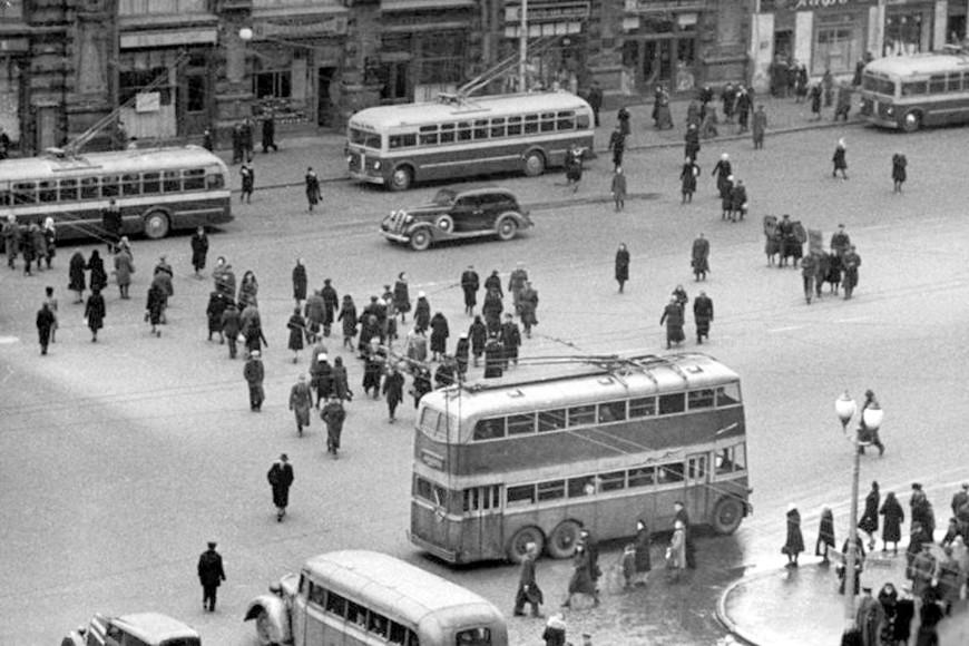 Двухэтажныйтроллейбус, 1950-е