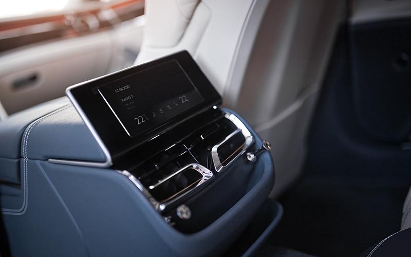 Bentley Flying Spur третьего поколения