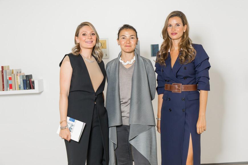 Анастасия Карнеева,Дарья Иринчеева и Екатерина Винокурова