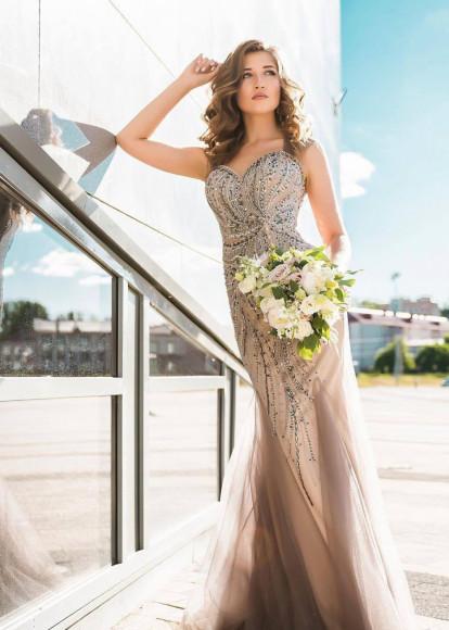 Платье,57 300 руб.