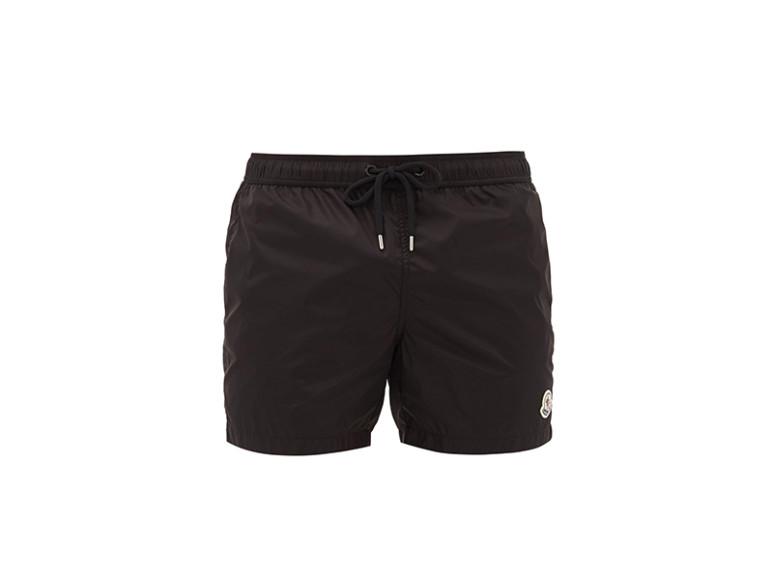 Плавательные шорты Moncler, 14 975 руб. (matchesfashion.com)