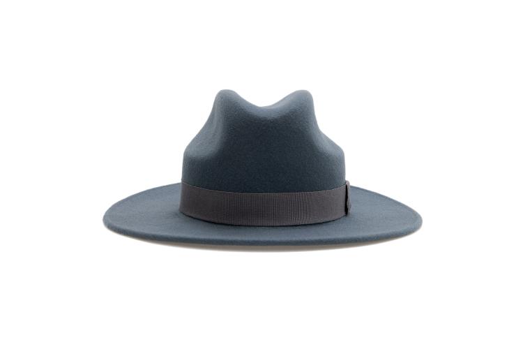 Шляпа Cocoshnick, 10 000 руб. (cocoshnick.ru)