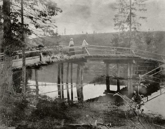 """Б.М.Кустодиев. """"Мосту через Медозу"""", 1903"""