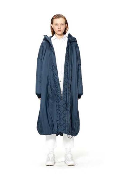 Пальто Novaya, 14 000 руб. с учетом скидки (novayawear.com)
