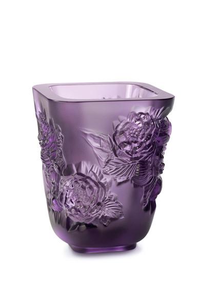 Ваза для цветов «Пионы» фиолетовая, 105 000 руб., Lalique