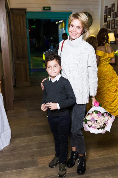 Виктория Манасир с сыном Романом