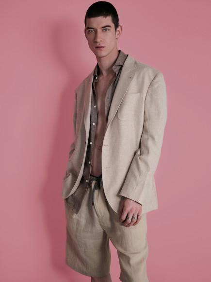 Пиджак, рубашка, шорты— все Brunello Cucinelli