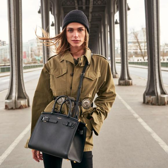 Элиза Сенауи с сумкойRalph Lauren RL50