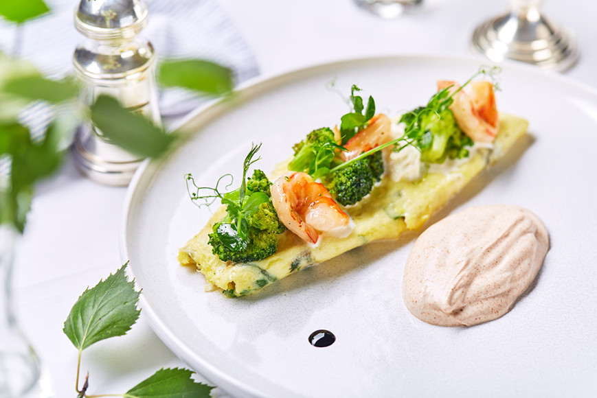 Омлет с креветкой и брокколи