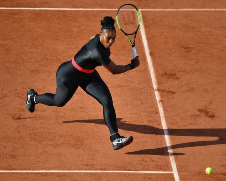 Серена Уильямс в комбинезоне Nike на французском турнире «Ролан Гаррос»