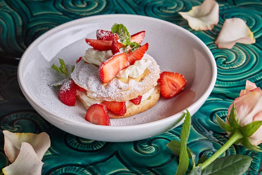 Завтрак «Клубника Романовых»