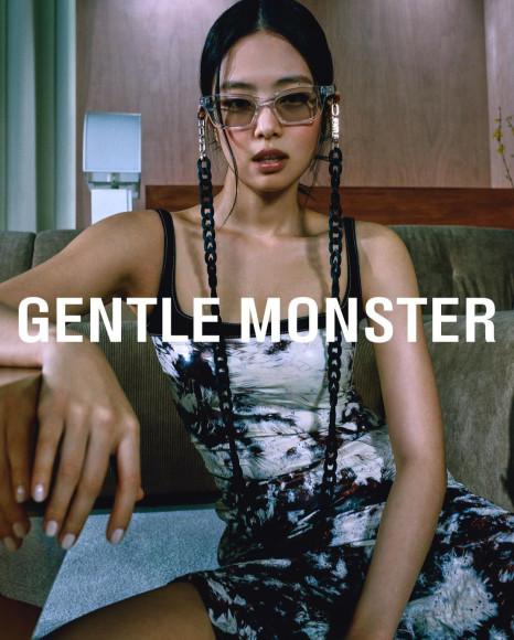 Участница Blackpink Дженни в рекламной кампании своей коллаборации с Gentle Monster, апрель 2020