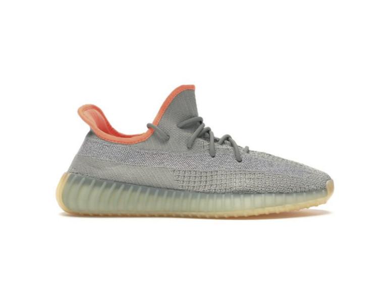 Кроссовки adidas Kanye West, 22 000 руб.