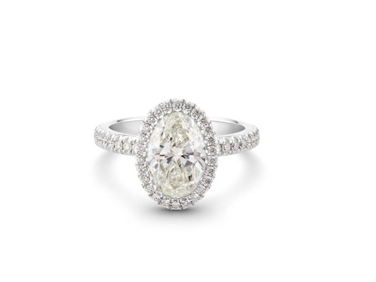 Кольцо Aura, бриллиант овальной огранки весом 2 карата