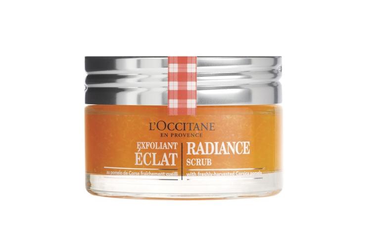 Фруктовый скраб для сияния кожи L'Occitane с натуральными микрогранулами на основе экстракта корсиканского помело. Средство подойдет для нормальной и комбинированной кожи.