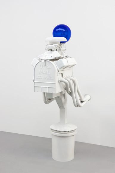 Скульптура Джеффа Кунса «Gazing Ball (Mailbox)», 2013 г.