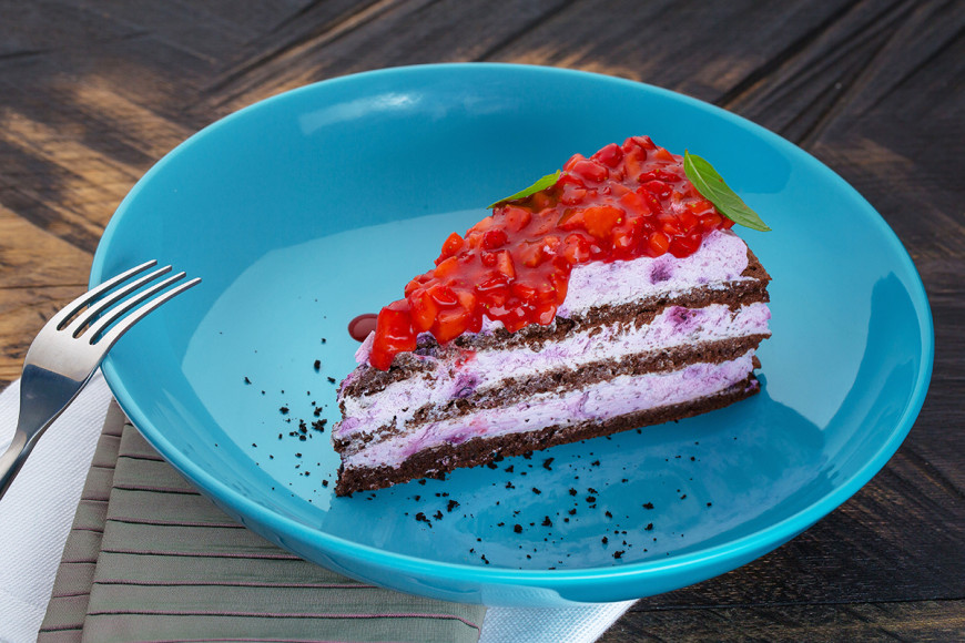 Клубнично-базиликовый торт
